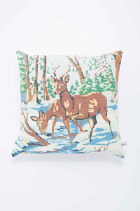Coussin biche chez Urban Outfitters