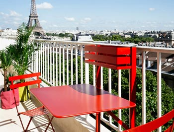 table rabattable balcon bistro fermob rouge ouverte